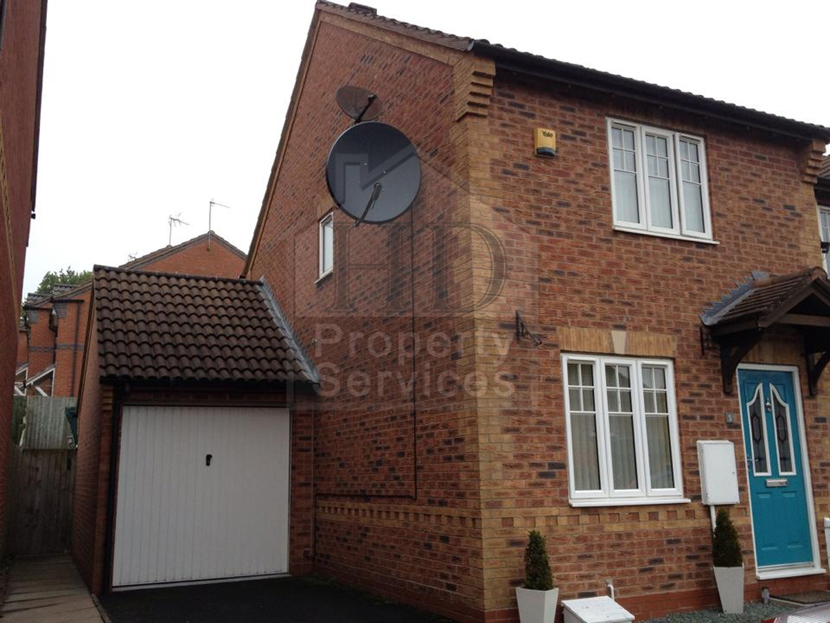 2 storey side extension photo 2 & Before and after photos of a two-storey side extension. Conversion ...