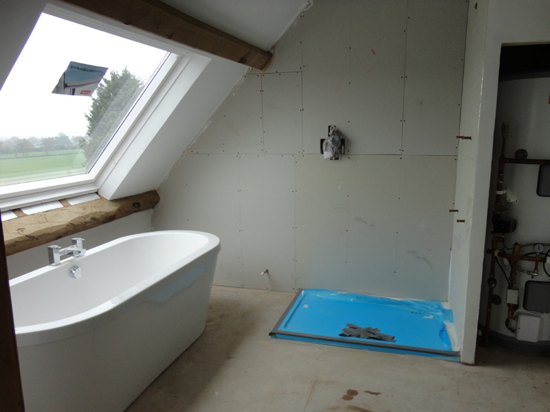 Before after photos renovation of barn conversion for Barn conversion bathroom ideas