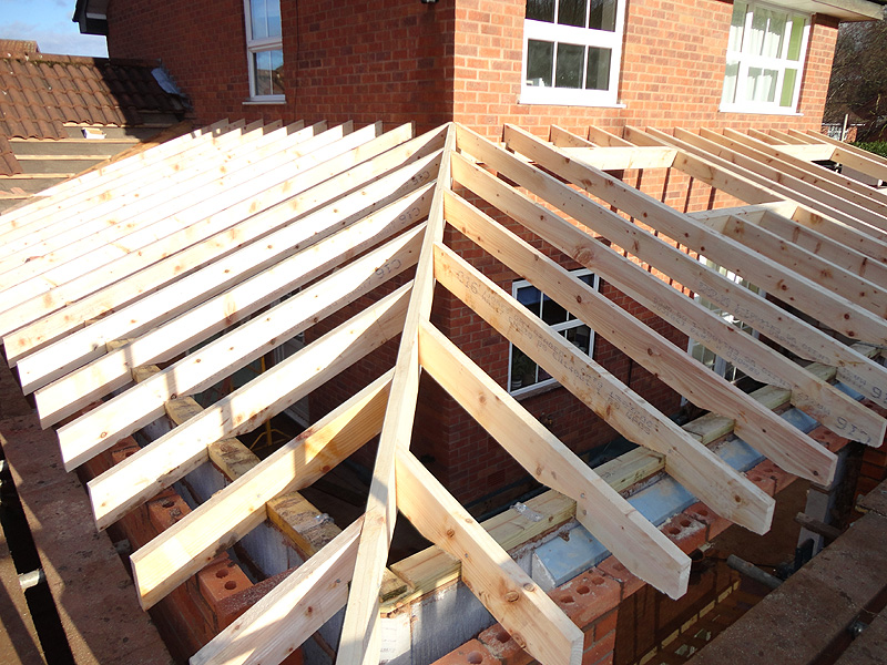 Single storey kitchen extension construction diary before for Roof trusses installation