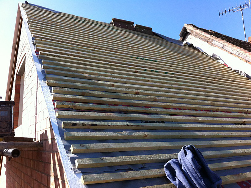 Roofing laths steeline spacing your roof battens for Roof trusses installation